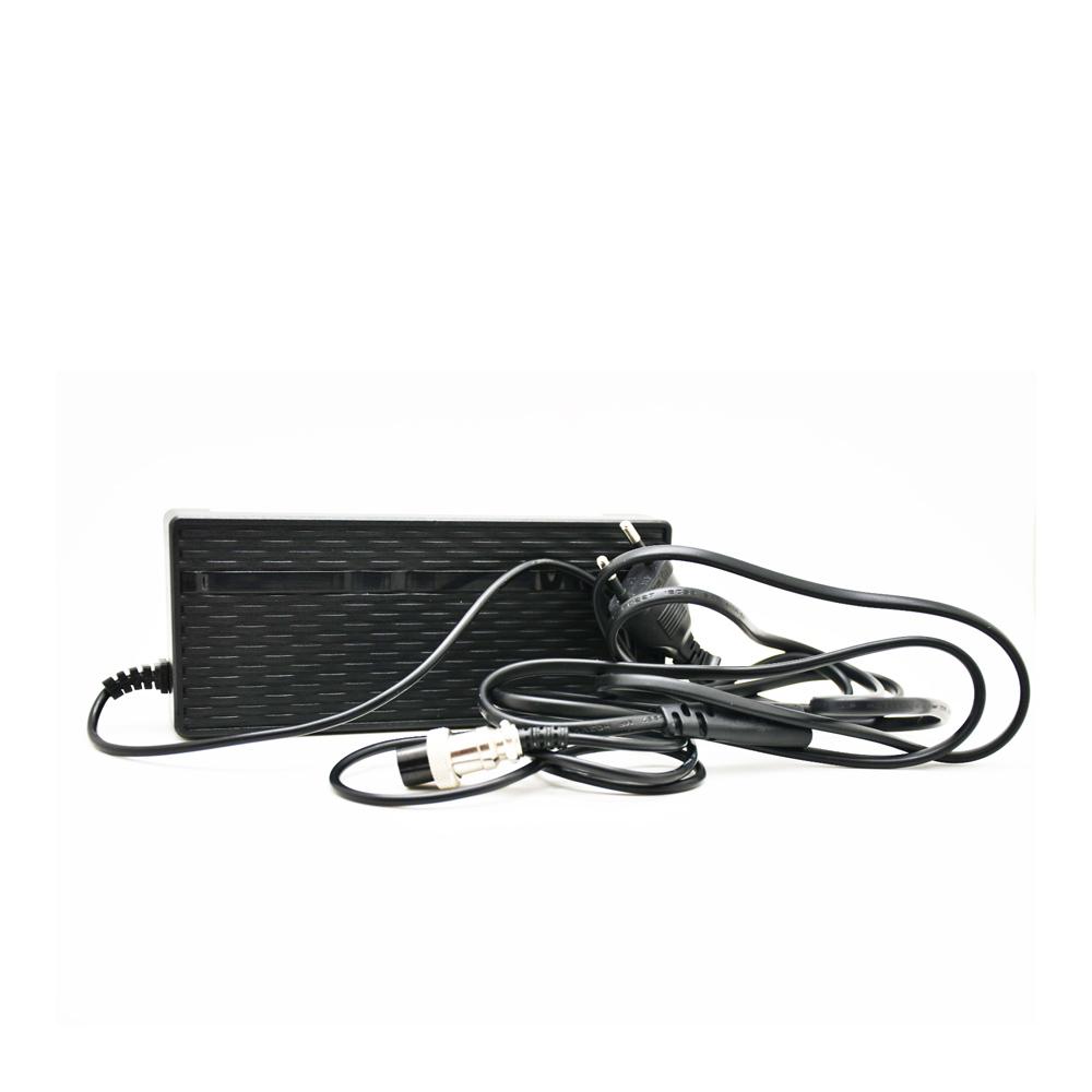 Nabíječka baterií pro elektrokoloběžku BLUETOUCH BT800