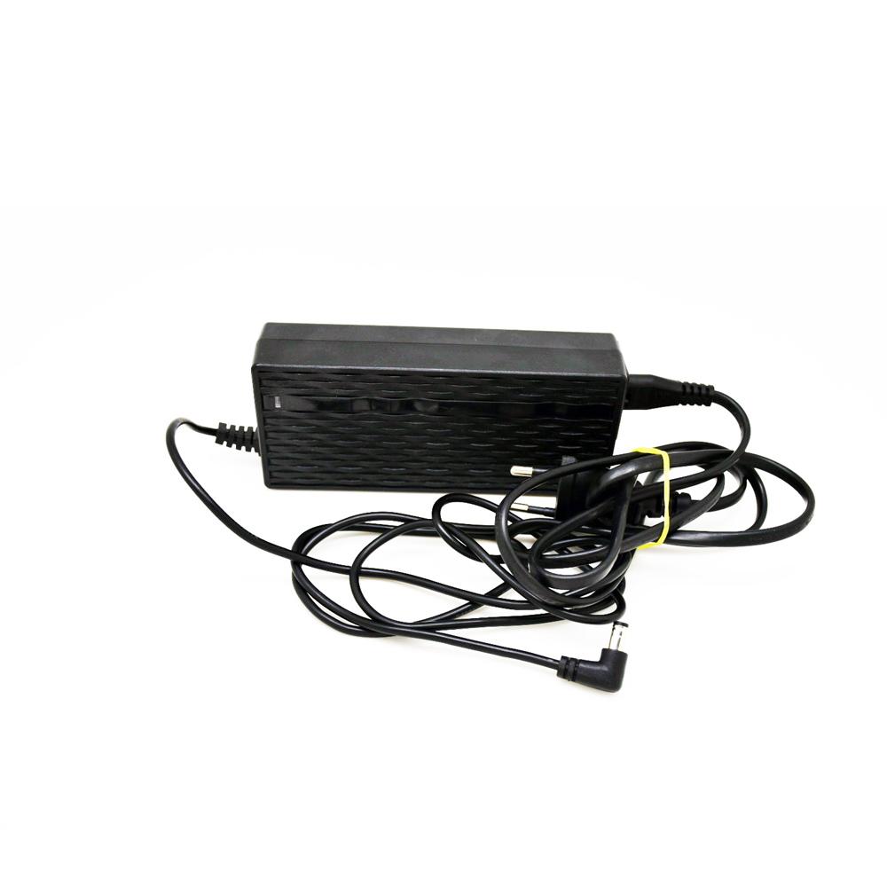 Nabíječka baterie pro elektrokoloběžku BLUETOUCH BTX250